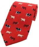 Krawatte mit Jagdmotiv - Kühe auf rotem Grund