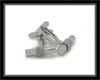 Manschettenknöpfe - Kordel um Steg gewickelt