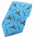 Krawatte mit Jagdmotiv - Fasane/Flinten auf hellblauem Grund